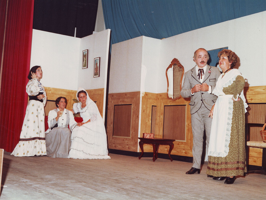"""""""Un cambi d'habitació"""". Foto: Fotoestudio P. González. Arxiu: Fons local Ajuntament de Mislata."""