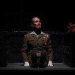 """Jordi Tamarit, per """"Cantant sota les bales"""" de la companyia Stres de Quatre"""